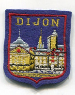 C202  - ECUSSON BRODE SOUVENIR DE VILLE : DIJON - Scudetti In Tela
