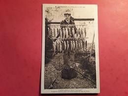 MR CAMBOLY ET SA PÊCHE  DU 21 JUIN 1932 - Pêche