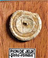 Pion De Jeux En Os. Epoque Romaine. - Arqueología