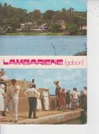 GABON  -  LAMBARENE  -  Aspect De L'Hoipital Schweitzer Et Le Dr Schweitzer Accueillant Ses Visiteurs En 1965  - - Gabun
