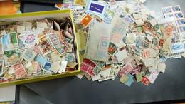 DM161 MONDE CARTON 800 GR TIMBRES SANS PAPIER A TRIER COTE++ DÉPART 15€ - Mezclas (min 1000 Sellos)