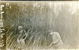 PHOTO FRANÇAISE  - POSE DE COLLETS PAR DES POILUS A RIMBERLIEU PRES DE VILLERS SUR COUDUN - CHEVINCOURT OISE 1914 1918 - 1914-18