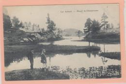 D38 - LAC ACHARD - MASSIF DE CHAMPROUSSE - 2 Hommes Près De L'eau - Unclassified