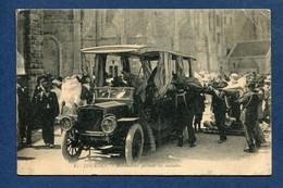 ⭐ France - Carte Postale - Lourdes - Automobiles Portant Les Malades ⭐ - Lourdes