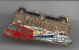 PIN'S TGV GARE ST LAZARE VOITURE DE POMPIERS FABRICATION BALLARD - Unclassified
