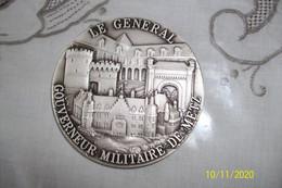 """Médaille Bronze Argenté """" Le Général Gouverneur Militaire De Metz"""" - Zonder Classificatie"""