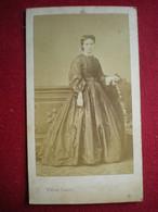 PHOTO CDV - Femme De La Bourgeoisie , Photo (19em) Walter Damry à Liège (Belgique). - Anonieme Personen