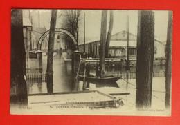 Corbeil. Inondations De Janvier 1910. Porte Des Ateliers Decauville. CPA Non écrite. - Corbeil Essonnes