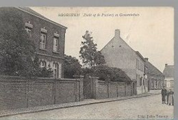 30 09 61//    BROECHEM ZICHT OP DE PASTORIJ EN GEMEENTEHUIS 1909   + 3 PERSONEN - België