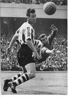 Football - Photo Du 24 Aout 1959 -  Match Anglais ARSENAL - SHEFFIELD - Plongeon De SPRNGET ( Gardien De Scheffield - Zonder Classificatie