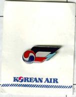 Pin's Avion Compagnie Aérienne Airline Company Korean Air Corée Du Sud - Aerei
