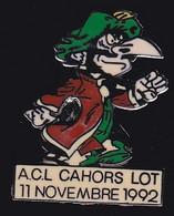 67435- Pin's. Association Des Campings Du Lot A.C.L.Kalif Iznogoud.BD. - Comics