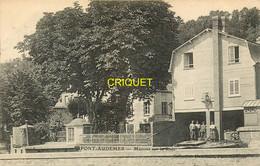 27 Pont-Audemer, Maisons Sur La Risle, Groupe D'ouvriers Qui Pose, Visuel Pas Très Courant, Affranchie 1908 - Pont Audemer