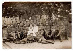 Carte Photo  --   Groupe Soldats Allemands  - - Guerra 1914-18