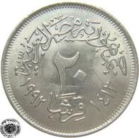 LaZooRo: Egypt 20 Piastres 1992 UNC - Egypte