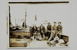 ARCHIVE Du BATEAU CH 2221 Cherbourg - Photo Originale D'une Partie De L'équipage - Cherbourg