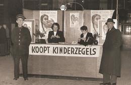 Rotterdam Coolsingel Kinderpostzegels Foto RT10216 - Rotterdam