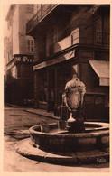 3418 Carte Postale TOULON  La Fontaine De La Place Gustave Lambert  Collection Bella       83 Var - Toulon