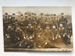 Foto Ak Groupe Soldats Francais - Uniformi