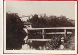 1893  **** H PYRENEES ***  CAMBO  Vue Prise Des Bord De La Nive  18x13cm Sur Carton Fort - Lieux