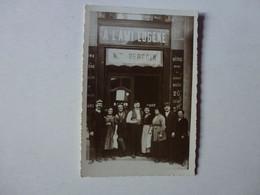 CARTE PHOTO  A IDENTIFIER,A L'AMI EUGENE,MAISON BERGOIN,BISTROT - Zu Identifizieren