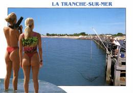 E 1780 - La Tranche - Sur - Mer (14 )  La Plage Et Jeunes Filles Sexy En String - Sonstige Gemeinden