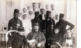 A IDENTIFIER - Carte Photo - Tirailleurs Sénégalais, Officiers, Médecins Et Infirmières - War 1914-18