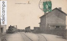 LES ESSARTS : La Gare,Locomotive,animée. - Les Essarts