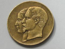 Très Jolie Petite Médaille - Napoléon III Et Eugénie Mariés Le 30 Janvier 1853 à Notre-Dame  **** EN ACHAT IMMEDIAT **** - Royal / Of Nobility