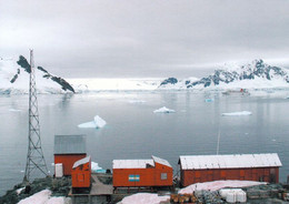 2 AK Antarctica / Antarktis * Die Argentinische Station Almirante Brown - Paradise Harbour, Danco Coast * - Cartoline