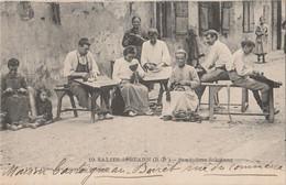 U16- 64) SALIES DE BEARN (BASSES PYRENEES) SANDALIERS  SALISIENS - (TRES ANIMEE - 2 SCANS)) - Salies De Bearn