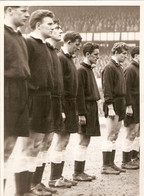 Photographie Ancienne De Football, 1958, Tottenham Hotspur In London, Danny Blanchflower, Crash Munich Airplane - Sporten