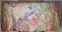 O Pár Ezer Db Turul Bélyeg ömlesztve Kis Dobozban / A Few 1000 Turul Stamps 1900-1913 In A Small Box - Unclassified