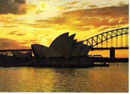 Australie New South Wales Sydney Sunset Over Opera House Coucher De Soleil  Batiment Edifice Pont - Sydney