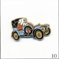 Pin's - Automobile - Mercedes Simplex - Bleu Ciel/Chauffeur Blanc. Est. Arthus Bertrand Paris. Zamac. T191-10 - Mercedes