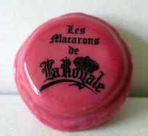 Fève Brillante - Gourmandise Cassis - Les Macarons De La Royale - Berger Grenoble - Altri