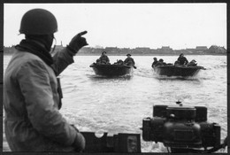 1945 GB Czechoslovakia Czech Forces Boats Patrol Flooded Areas Around Dunkirk. Imperial War Museum Photograph - Storia Postale