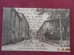 CPA - La Tour-d'Aigues - Entrée Du Village - La Tour D'Aigues
