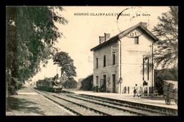 86 - SCORBE-CLAIRVAUX - LA GARE - ARRIVEE D'UN TRAIN DE VOYAGEURS (HHH1183) - Scorbe Clairvaux