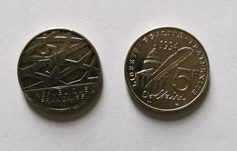 Lot De 2 Pièces De 5 Francs Dont Une Pièce 1992 (Pierre Mendès France) Et Une Pièce -1994 (Voltaire) - K. 10 Franchi