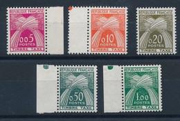 DT-176: FRANCE: Lot Avec Taxes N°90/94** - 1960-... Ungebraucht