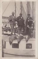 ALLEMAGNE ; CARTE PHOTO . RETOUR DE PECHE AU PHOQUE . BATEAU PIRAT A BASUM . 1932 . - Pêche
