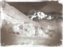 Lot De 5 PLAQUES De VERRE (9 X 12 Cm) à Localiser - (église Romane ? Pyrénées ?) - Diapositiva Su Vetro