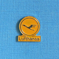 1 PIN'S //  ** LOGO LUFTHANSA / COMPAGNIE AÉRIENNE PRIVÉE ALLEMANDE ** - Avions