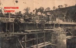 Photo Cpa Carte Photographie France Non Située Réparation D' Un Pont Ouvriers Ouvrier - Foto