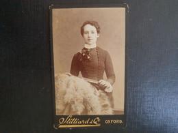 Belle Ancienne Cdv Vers 1880.portrait D Une Femme Distinguée. Photographe  STYLLIARD. OXFORD - Alte (vor 1900)