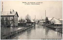 10 TROYES - Les Inondations - La Vacherie - Ecole Des Garçons - Troyes