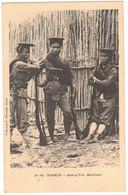 ASIE VIÊTNAM VIÊT NAM COCHINCHINE INDOCHINE TONKIN MILITARIA :  QUANG YEN MILICIENS - FUSILS - Ed Dieulefils HANOÏ - Vietnam