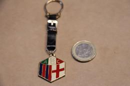Football,Soccer,RARE,bouton ,très Ancien Porte-clés à Identifier ,vintage,collector,originale - Abbigliamento, Souvenirs & Varie