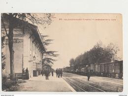 82 VALENCE D AGEN INTERIEUR DE LA GARE - Valence